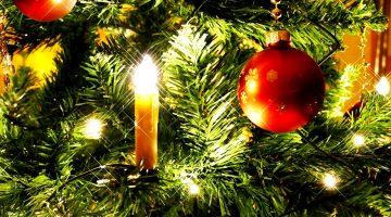 albero-di-natale-candela-pallina-rossa